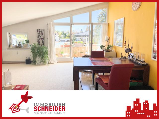 IMMOBILIEN SCHNEIDER – Hadern – schöne, helle 2 Zimmer DG-Wohnung mit Balkon und EBK